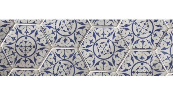 Piastrelle esagonali di maiolica provenzale di Comptoir du Cérame