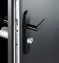 Porta aperta con serratura Netamo
