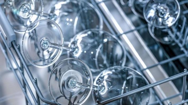 Lavare i piatti in lavastoviglie, da hna.de