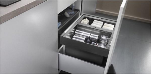 Blanco: sistema Flexon II per rifiuti differenziati in sottolavelli a cestoni