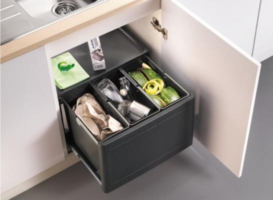 Sistema Blanco Botton per raccolta rifiuti in sottolavelli anta battente