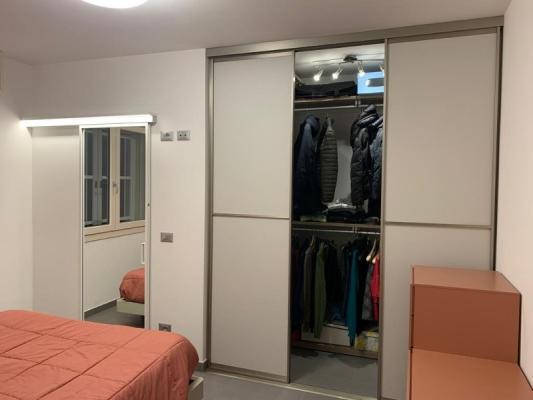 Zona notte con cabina armadio particolare interno