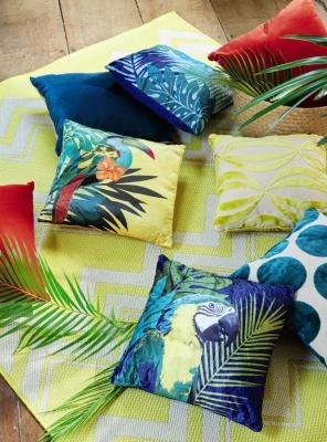 Cuscini in stile Jungle, Ara e Toucan - Design e foto by Maisons Du Monde