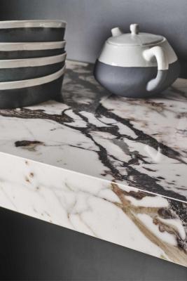 Grande Marble Look, marmo Capraia - Design e foto by Marazzi