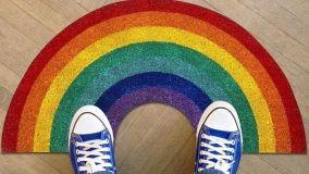 Complementi arredo ispirati all'arcobaleno, simbolo di #andràtuttobene