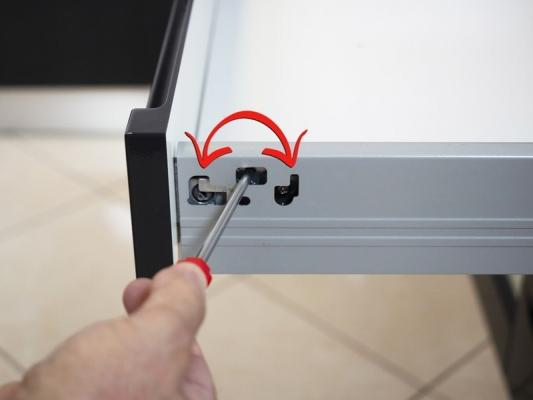 Montaggio nuovo frontalino mobile cucina Idoors.it