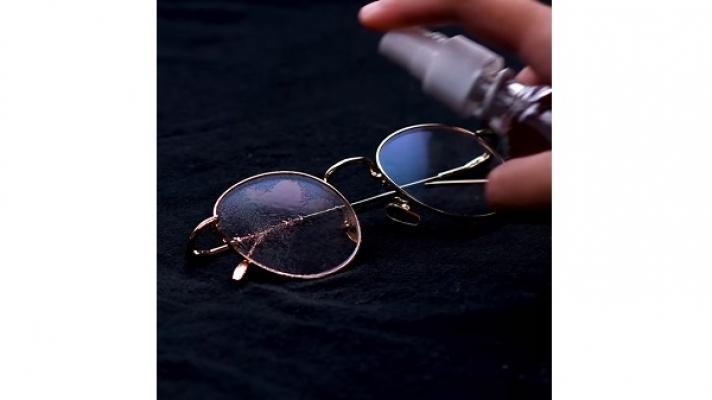 Pulire oggetti vodka occhiali Blossom