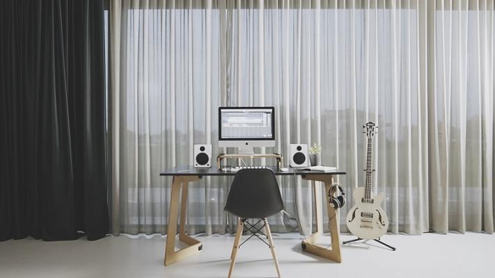 La linea Karya Desk di PlayWood
