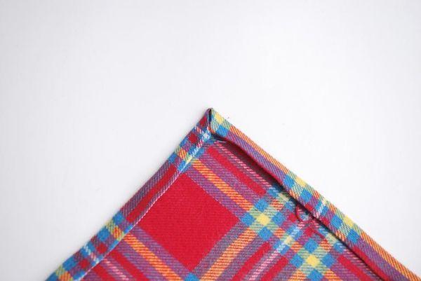 Vecchie coperte trasformate in sotto tazze, parte 1, da heywandererblog.com