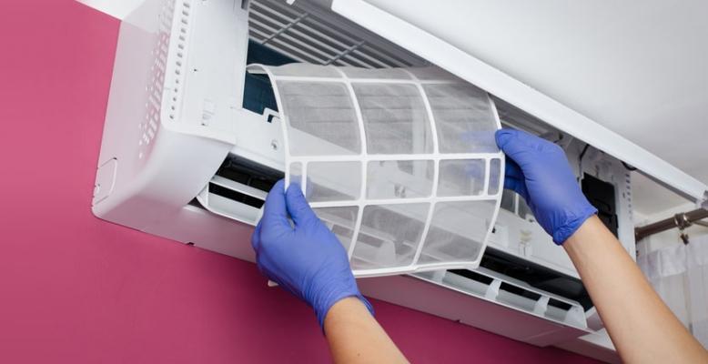 Climatizzazione e pulizia filtro split interno