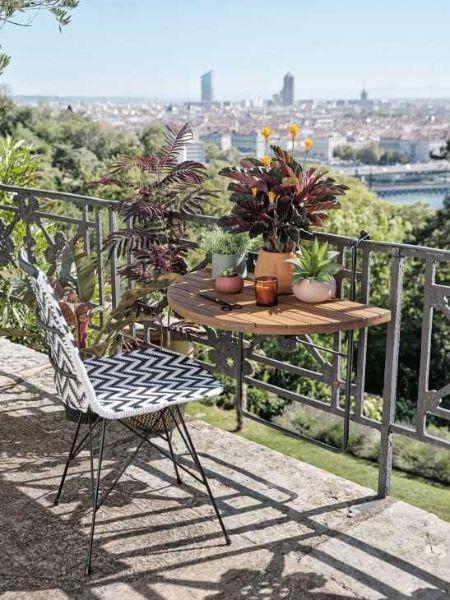 Calathea di Maisons du Monde tavolo ribaltabile per balcone