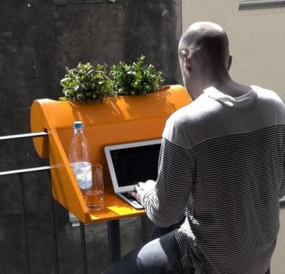 In tempi di smart working, perchè non organizzare un angolo ad hoc sul balcone?