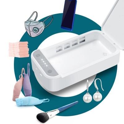 Sterilefast per igienizzare smartphone e piccoli oggetti con raggi ultravioletti