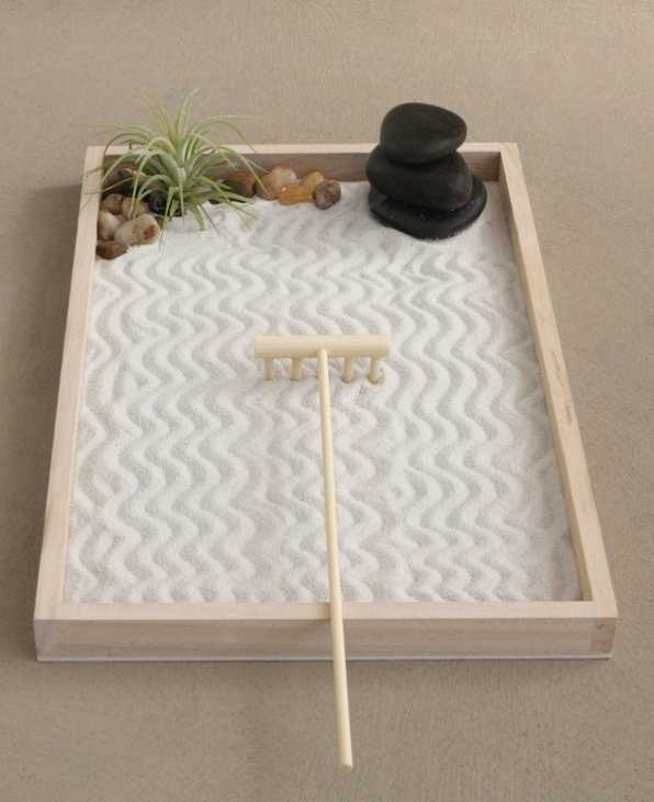 Sabbia chiara da mini-giardino zen, da buddhagroove.com