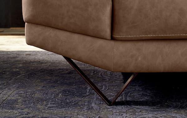Divano Howard: piedini in metallo - Design e foto by LeComfort