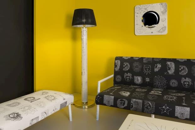 Progettare arredamento casa a contrasto - Fornasetti Solitario
