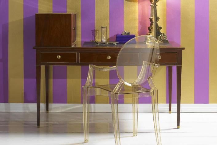 Come progettare arredamento interni contrasto antico moderno - Kartell Luis Ghost