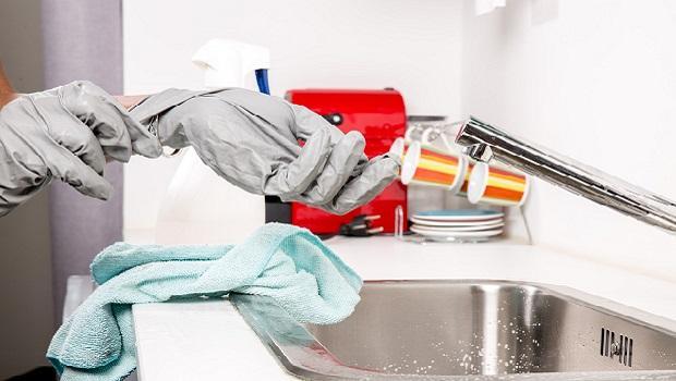 Pulizia In Cucina