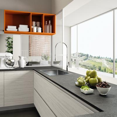 Pulizie in cucina facilitate se il piano è in Okite