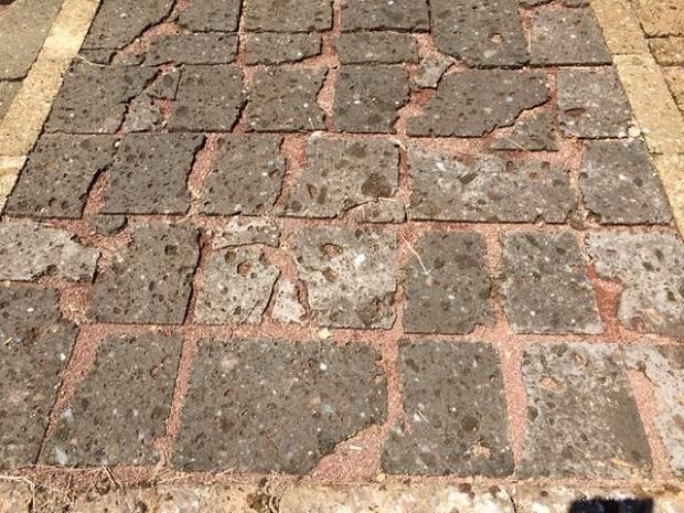 Pavimentazione con lastrame in tufo nero, Tufo Etrusco S.r.l.