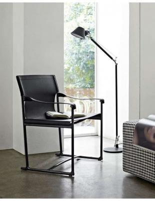 La sedia pieghevole da regista Mirto di B&B Italia