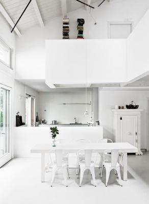 Arredamento total white, da djakdesign.pl