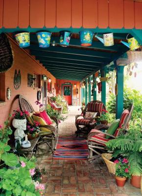 Patio in una casa messicana, da sunset.com