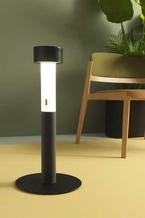 La lampada portatile 024 di Zava