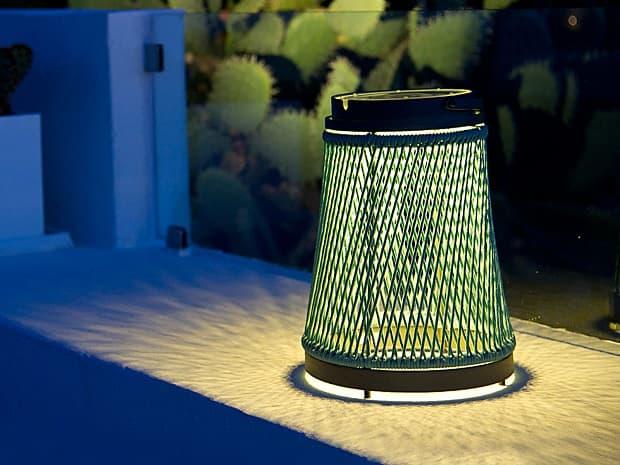 La lampada ricaricabile da tavolo Solare di Unopiù