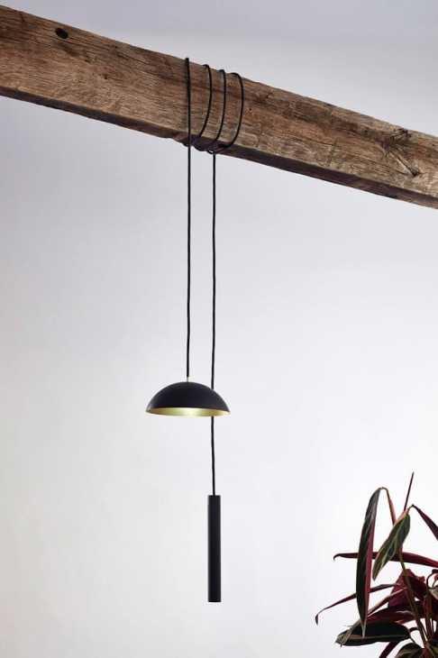 La lampada ricaricabile Pong di NYTA