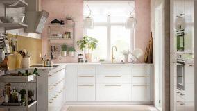 Paraschizzi per proteggere la pareti della cucina unendo estetica e praticità