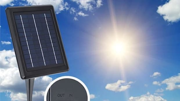 Irrigatore fuori terra Greenkeeper Solar, pannello solare - Foto by Blumfeldt