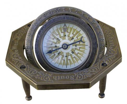 Bussola da tavolo in stile vecchia marina de Il vascello