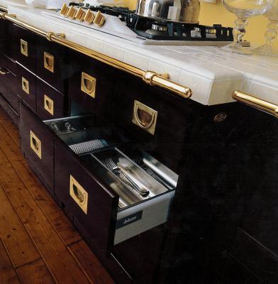 Dettagli di una cucina in stile nautico de Il Vascello