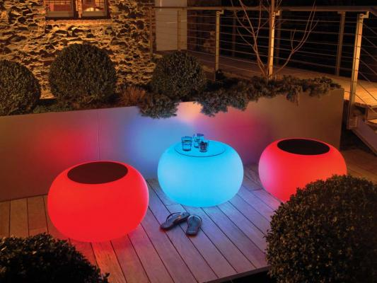 Tavolini e sedute luminose Bubble LED Accu Outdoor di Moree