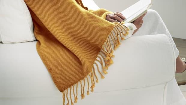 Plaid giallo Omtaenksam - Fonte foto: Ikea