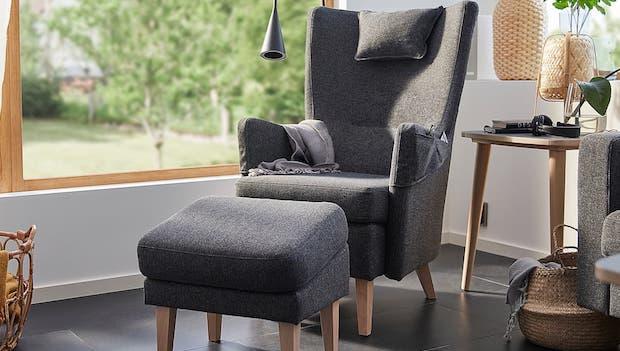 Poltroncina e poggiapiedi Omtaenksam - Fonte foto Ikea