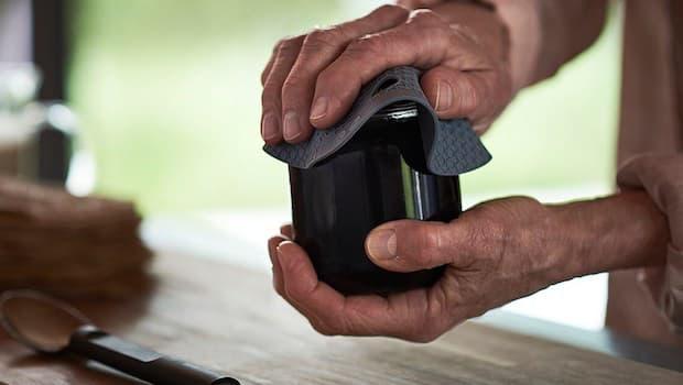 Presina in resina Omtaenksam - Fonte foto: Ikea