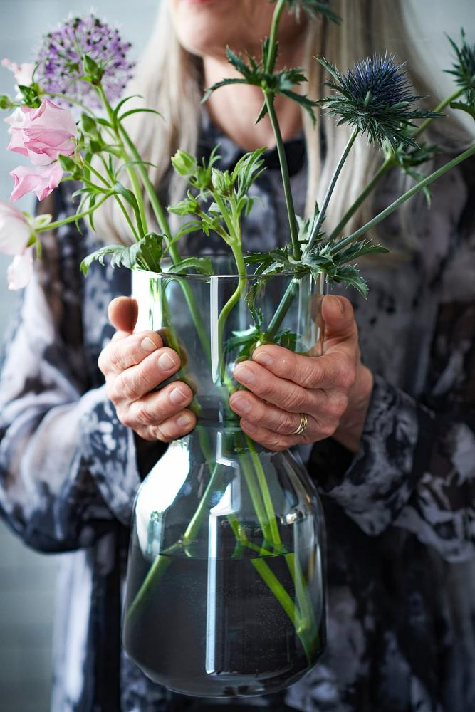 Vaso grande Omtaenksam - Fonte foto: Ikea