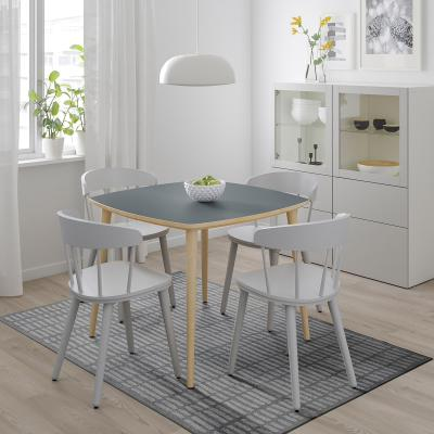 Tavolo e sedie Omtaenksam - Fonte foto: Ikea
