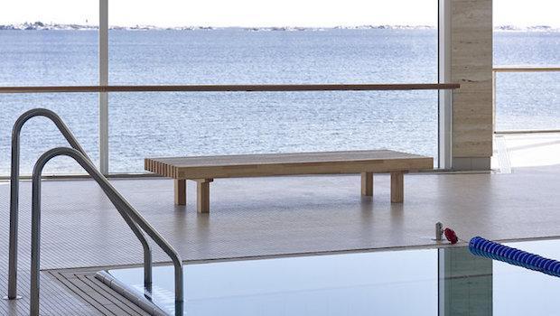 Panchina da esterni Laveri - Design e foto by Woodnotes