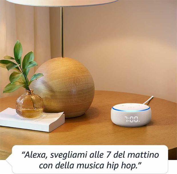 Altoparlante sveglia Echo Dot Alexa su Amazon