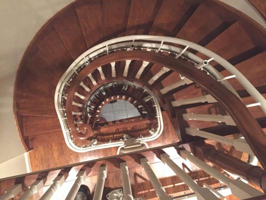 Montascale per scala a chiocciola di Garaventa Lift