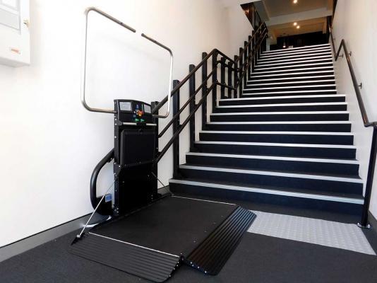 Servoscale disabili Artira di Garaventa Lift