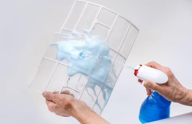 Sanificazione condizionatore spray detergente