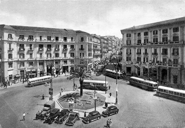 Foto storica, Napoli, piazza Vanvitelli