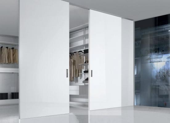 Le porte per cabina armadio possono avere varie finiture