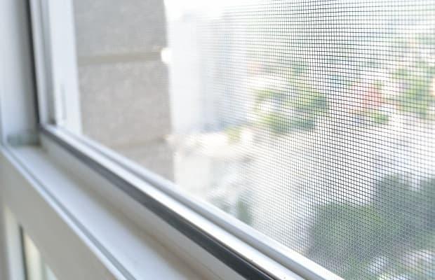 Difendersi dalla zanzare in casa zanzariera