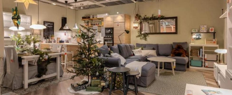 L'Home Stylist viene chiamato anche ad allestire negozi - credits IKEA