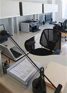 Le conseguenze di una cattiva illuminazione interna: colori opachi per piani di lavoro